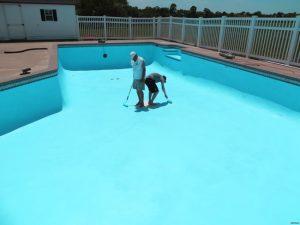 Tại sao nên dùng sơn epoxy để chống thấm cho hồ bơi?